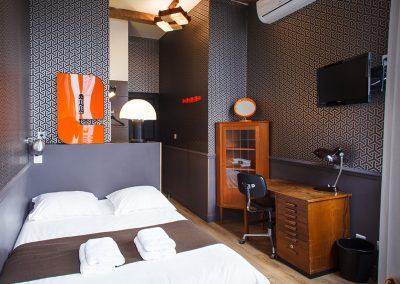 chambre-basique-casa-ortega-marseille-chambre-hote