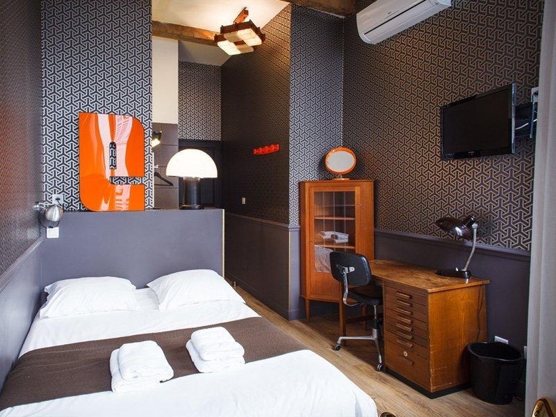 Chambre basique casa ortega casa ortega for Marseille chambre