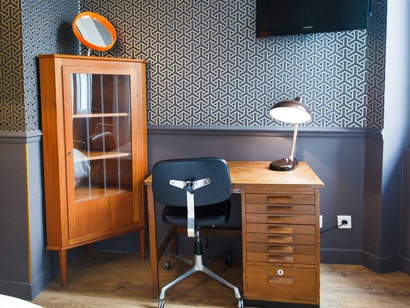 chambre basique casa ortega casa ortega. Black Bedroom Furniture Sets. Home Design Ideas